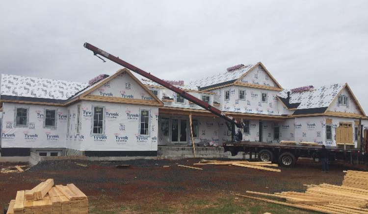 NewHomeConstruction-UnloadRoofing-030119